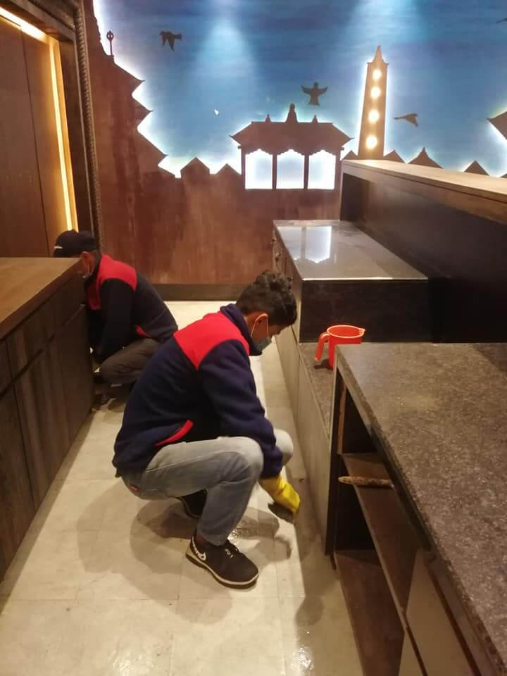 Cleaning Staffs doing deep cleaning services